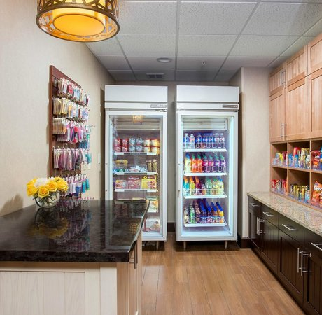Homewood Suites by Hilton Houston Willowbrook Mall: Snack Shop