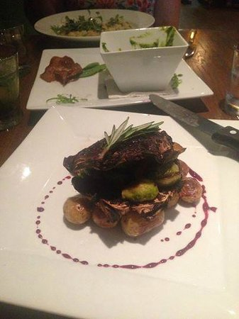 Nosh Eatery and Tap : Portobello Steak