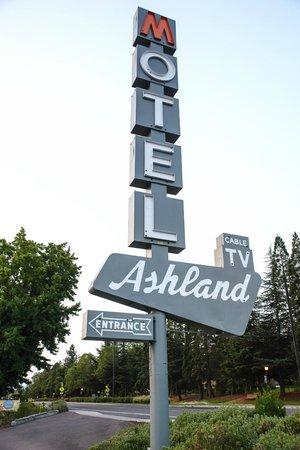 The M Ashland Motel: M Motel Ashland