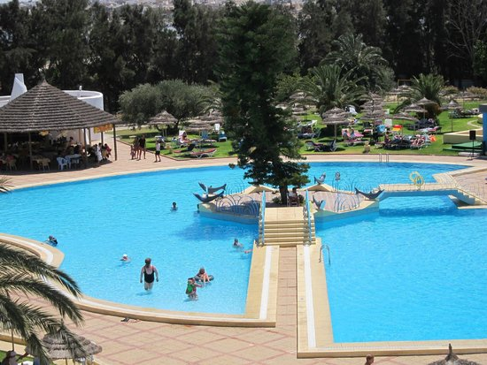 Ramada Liberty Resort Hotel : widok z 3 piętra na basen