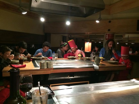 Benihana: Mesas Con Planchas Para Cocinar