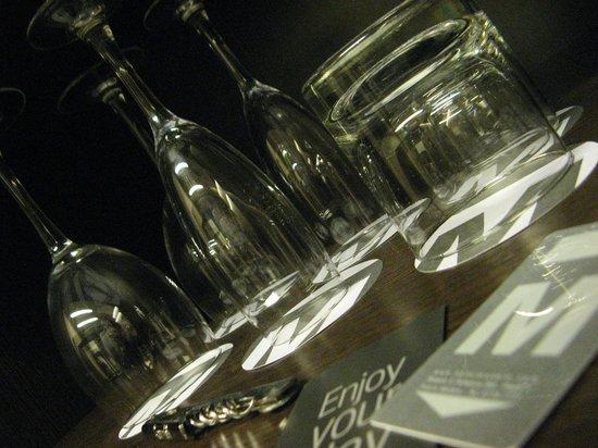 Hotel Madero: detalhe do bar na suite preparado para tomar um vinhozinho