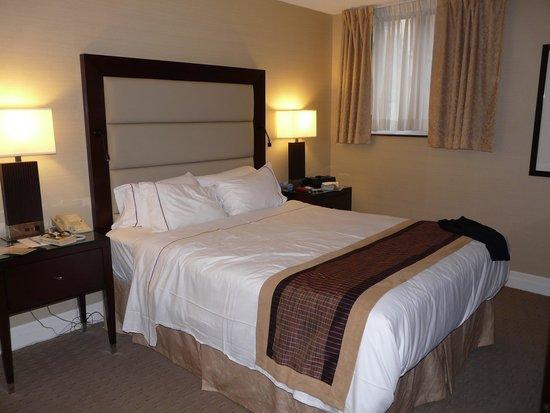Albert at Bay Suite Hotel: Bedroom