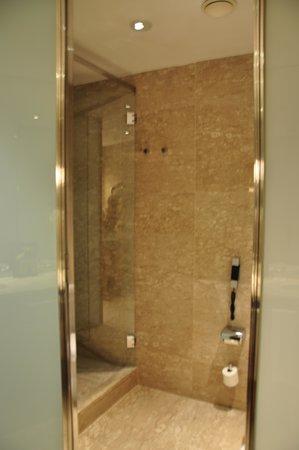 Eurostars Grand Marina Hotel : ванна