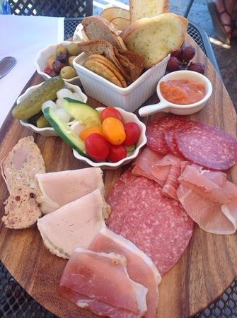 Gray Monk Estate Winery : Meats & Cheeses platter