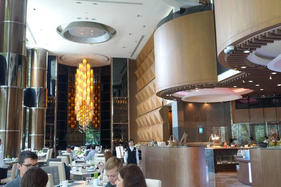 New World Saigon Hotel: The grand dining area