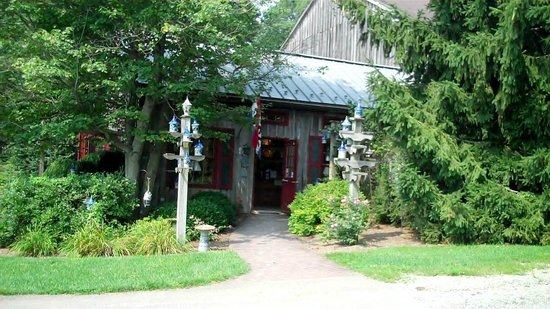 Eldreth Pottery Factory Showroom and Tour: Outside of Shope