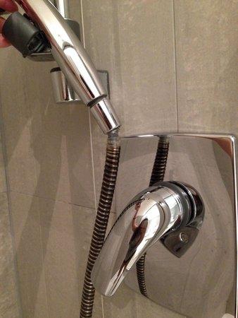 Cube Hotel: La docciaa