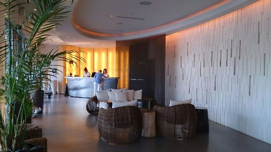 Costa d'Este Beach Resort & Spa: Hotel lobby