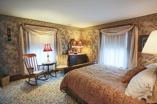Newman Grove, Nebraska: Victorian Room