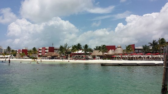 Temptation Resort Spa Cancun: Beach side view of the resort