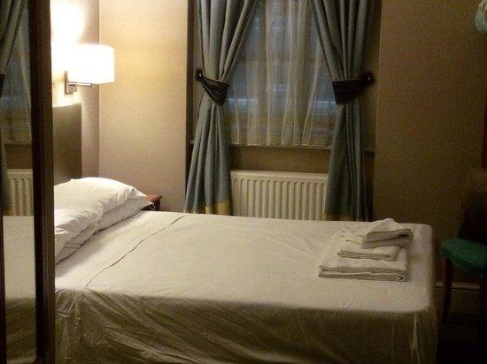 Sidney Hotel London-Victoria: Camera 415