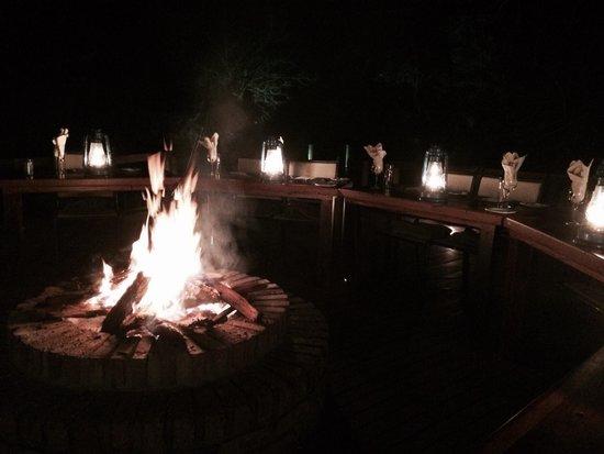 Monwana Game Lodge: Boma dinner