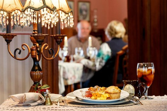 Newman Grove, NE: Elegant Dining