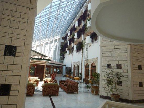 Defne Garden: Hotellobby
