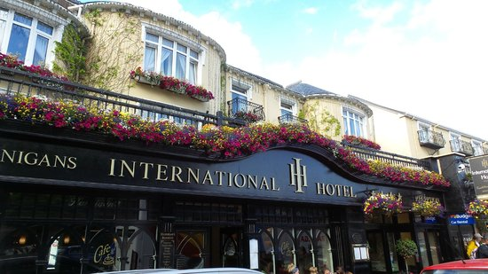 International Hotel Killarney: Exterior