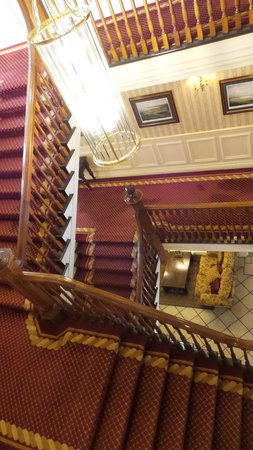 International Hotel Killarney: Stairs
