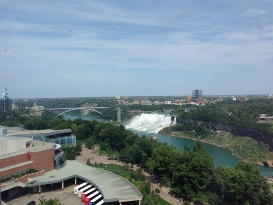 Oakes Hotel Overlooking the Falls: View 2