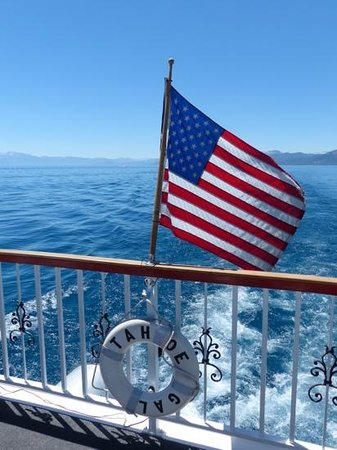Tahoe Gal Cruises: Early morning on the Tahoe Gal