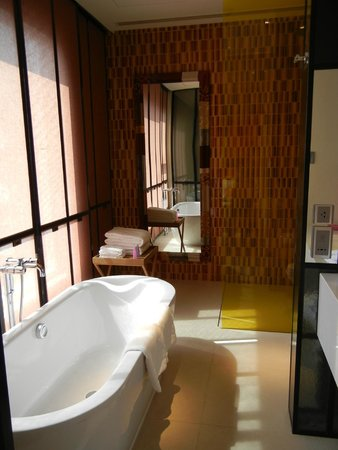 Mode Sathorn Hotel : Bathroom
