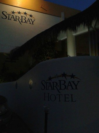 Starbay Suites Resort: Entrada