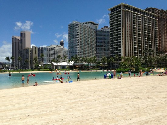 The Modern Honolulu : Lagoon on Waikiki looking towards hotel