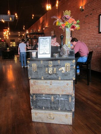 El Moro Spirits & Tavern: Stacked trunks make a great welcome station