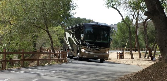Champagne Lakes RV Resort: Big RV Sites