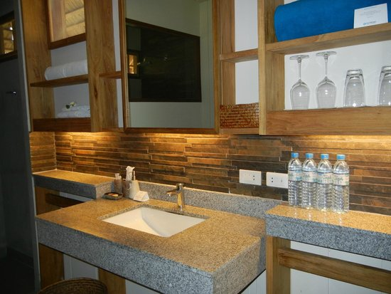 Phi Phi Island Village Beach Resort : Room