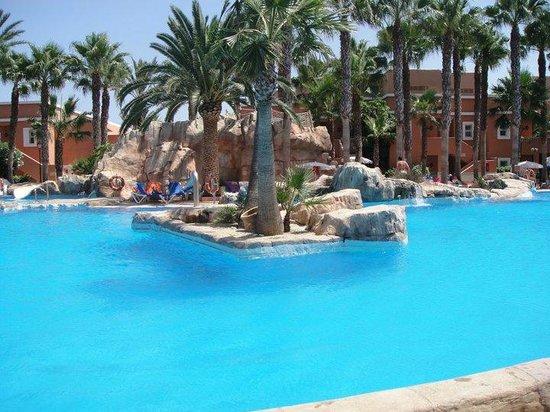 Playacapricho Hotel: piscina