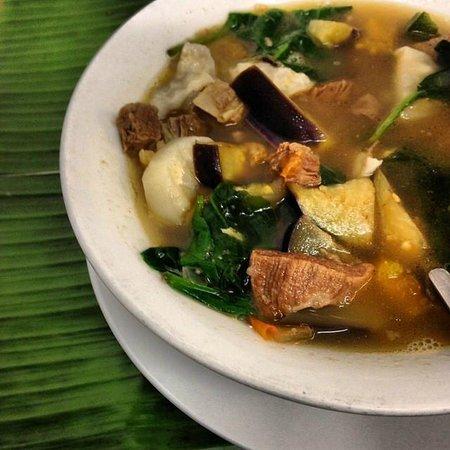Lutong Pinoy Filipino Restaurant: Sinigang Na Baka
