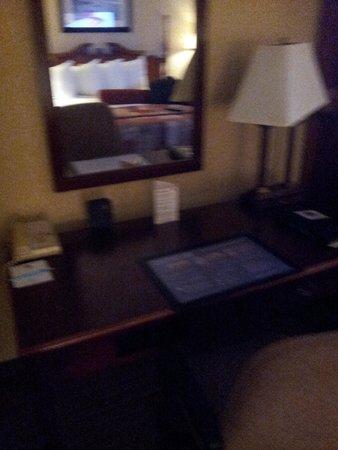 Best Western Plus Humboldt Bay Inn: Desk