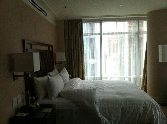 Shangri-La Hotel, Vancouver : Big Bed