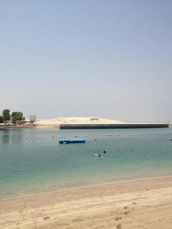 Khalidiya Palace Rayhaan by Rotana: Beach