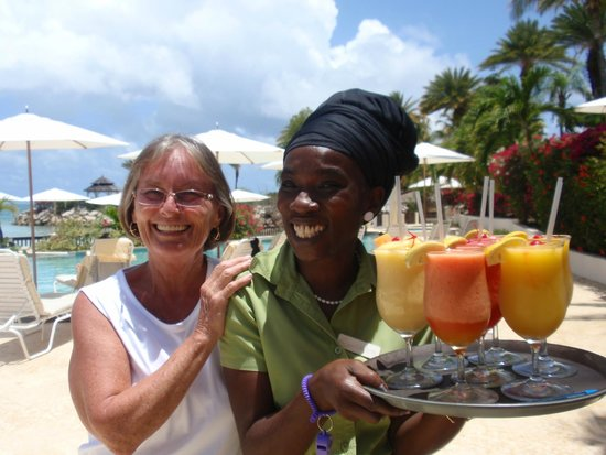 Blue Waters Antigua: Carolyn, the best bartender!