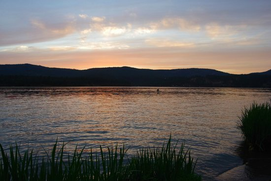 Willow Bay RV Resort & Marina : Long Lake sunset from Willow Bay Resort's shoreline