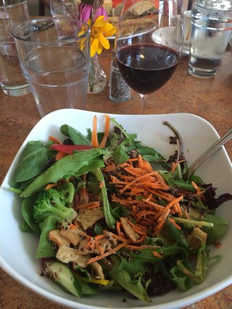 Bluefront Cafe: Thai Quoina salad