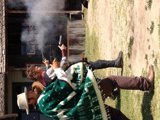 Boot Hill Museum: Gunfighters in action