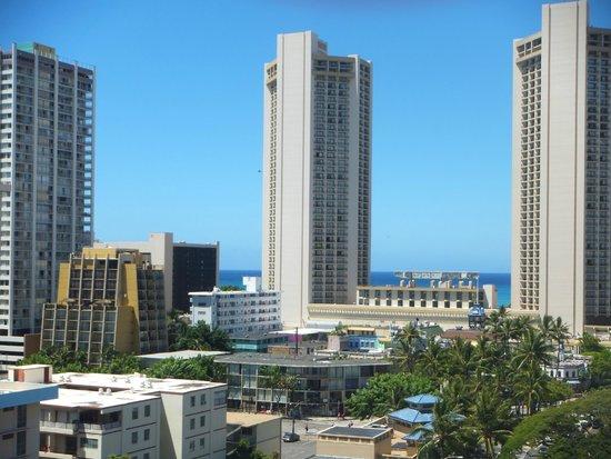 Aqua Aloha Surf Waikiki: 部屋から海側の景色