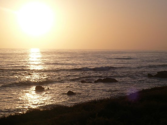 Cambria Shores Inn: Ocean view.