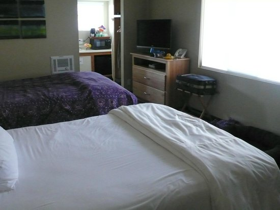 Cambria Shores Inn: Room for 2 people (pics from my second visit).