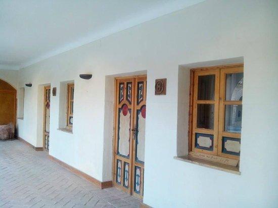 Puertas habitaciones picture of restaurante virgen del for Puertas habitaciones
