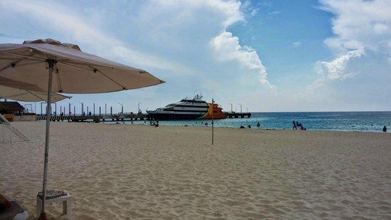 Playacar Palace : Parte de la vista de la playa
