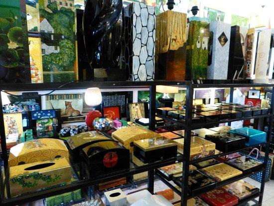 Nhu Y Lacquerware