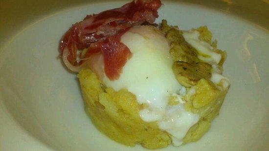Solana Restaurante: Huevo papas jamón y foie