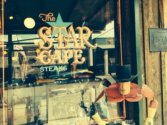Star Cafe: Eat here!