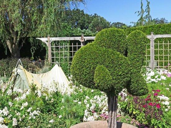 Oregon Garden: Topiary in children's garden