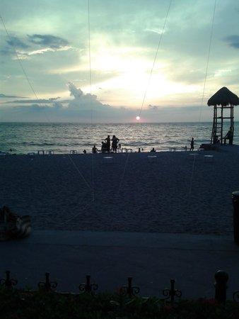 Playa Los Arcos Hotel Beach Resort & Spa: Atardecer desde el Restaurante