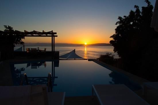 St. Nicolas Bay Resort Hotel & Villas: Sonnenaufgang