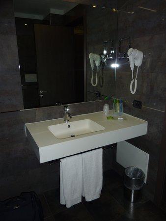 Klima Hotel Milano Fiere: Salle de bain 3